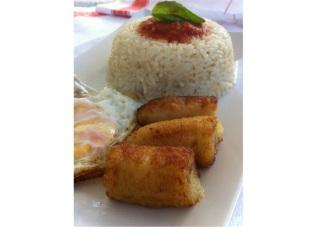 Arroz a la cubana al toque español